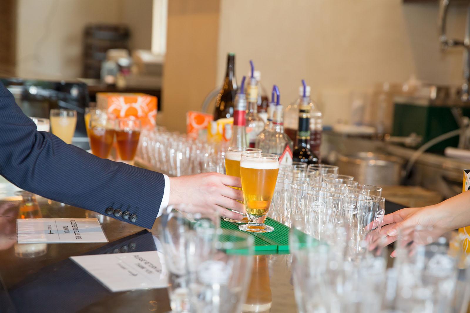 現役バーテンダーがその場で作る50~90種類の飲み放題。
